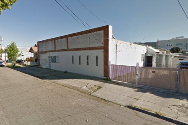 Industrial building for lease - 3820 Penniman Ave Oakland, CA&nbsp;<font color='red' style='font-weight: bold;'>*</font>