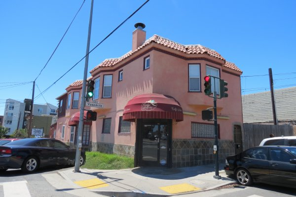 Spacious Corner Restaurant Opportunity
