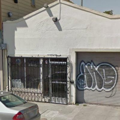 Warehouse for lease in Oakland